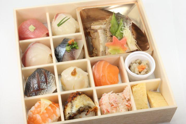 地魚の手毬寿司と魚のあら炊き膳~特上~
