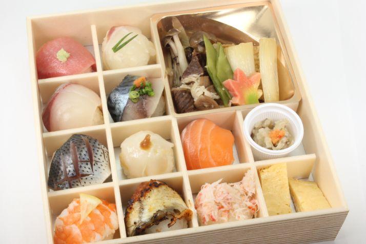 地魚の手毬寿司と牛すき焼き膳~特上~
